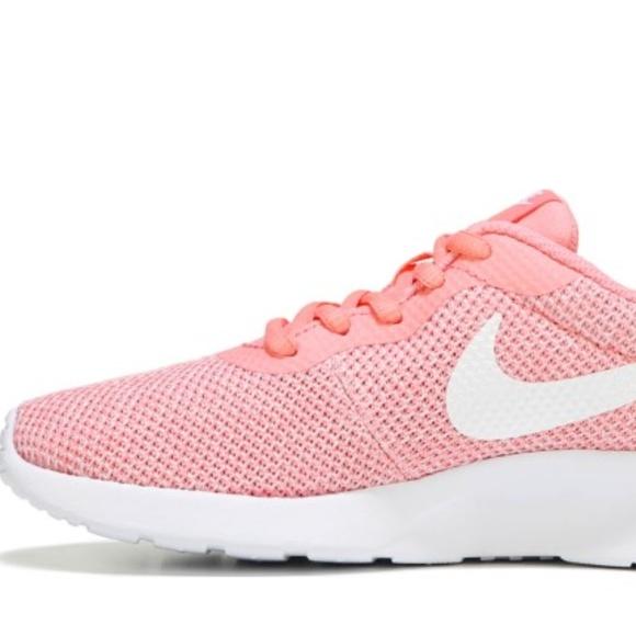 outlet store 586c6 de3df Nike Women s Tanjun Sneaker Melon   White 9M. M 5b7f0298a31c33e09988ed77